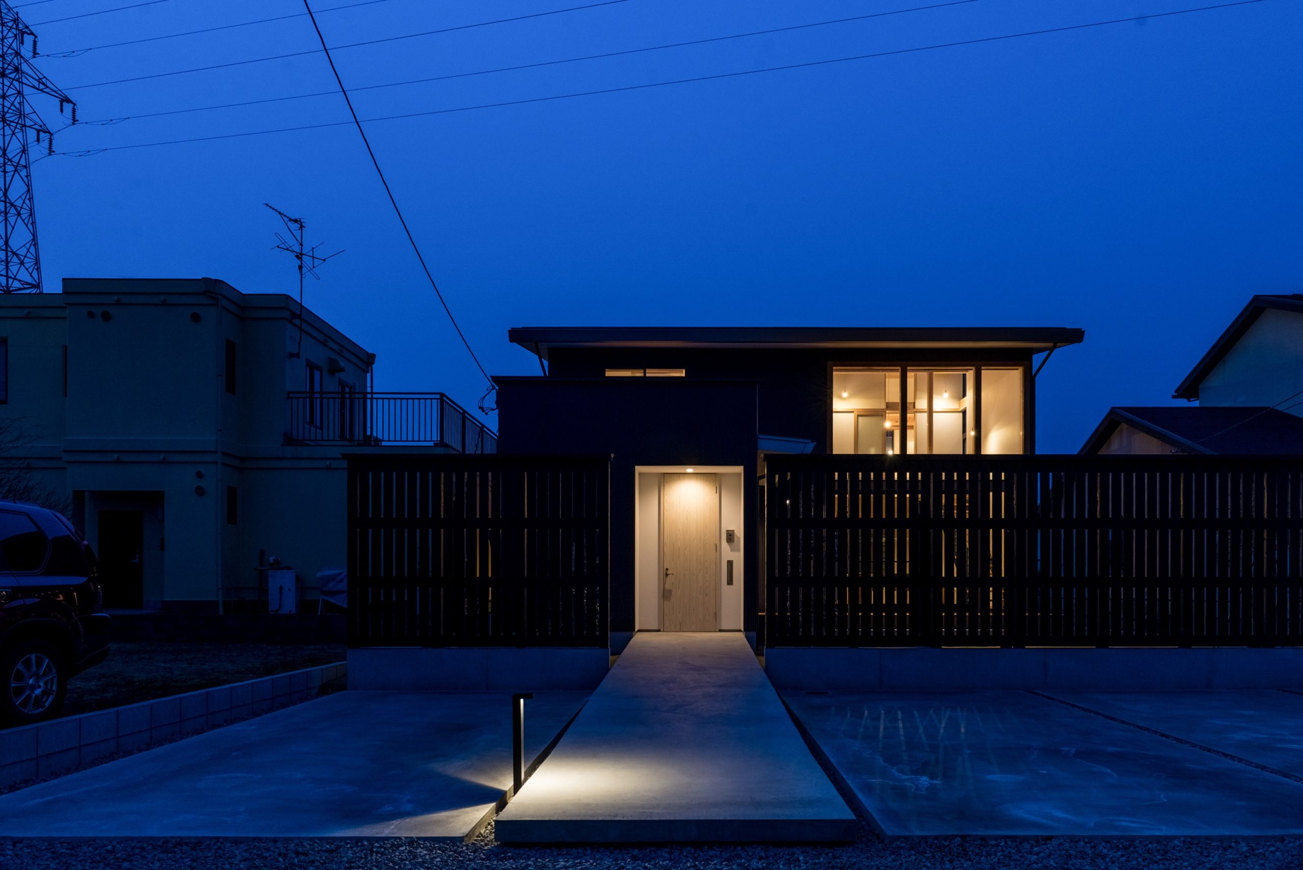 HAZAKI HOUSE